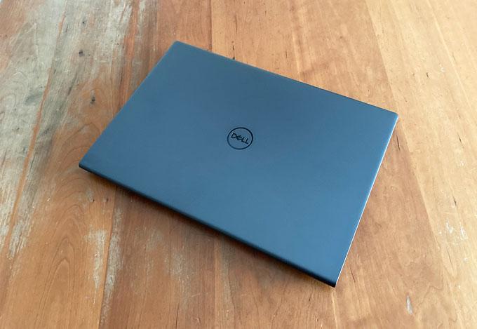 Dell Inspiron 16 Plus 7610 プラチナ
