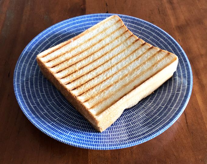 8枚切り食パン2枚